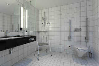 Scandic Helsfyr, Oslo, bathroom, accessible, hcp, handicap