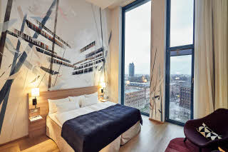 Scandic_Hamburg_Emporio_room_superior_plus_art_roo.jpg