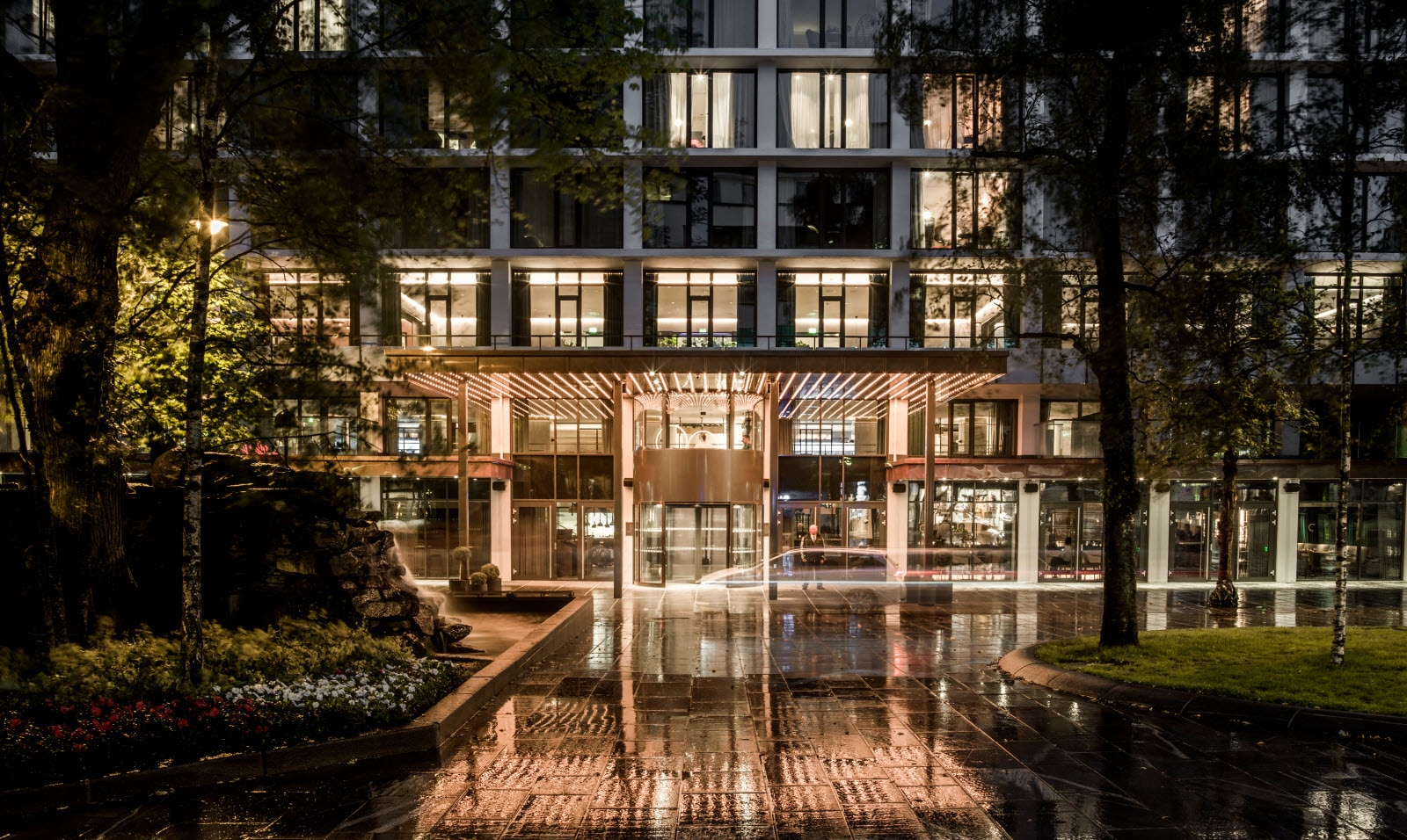 Entrance_by_night_Hotel_Norge_by_Scandic_Copyright.jpg