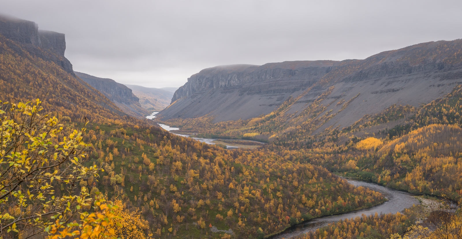 stock-photo-alta-canyon-with-autumn-colors-1404076.jpg