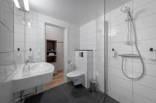Shower in Bathroom in Room Superior Extra