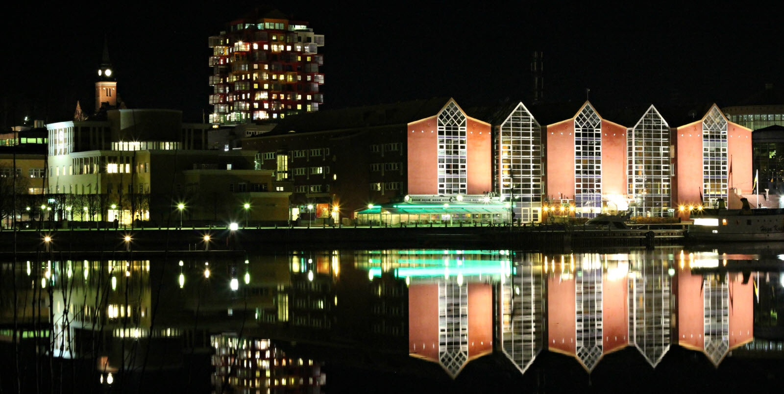 Örnsköldsviks harbour by night