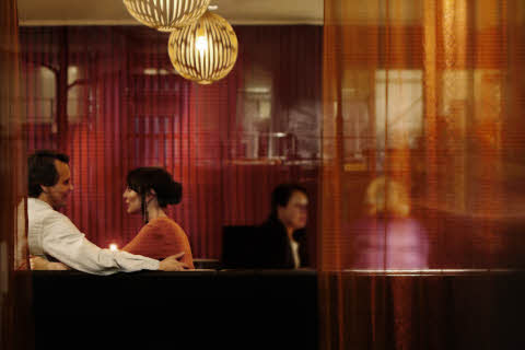 ccc, people, f&b, bar, restaurant, couple, friends, after work, wine, romance, window