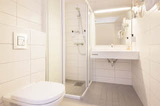 Scandic Scandinavie, Alesund, economy, room, bath, bathroom