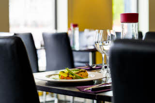 Scandic-Alvik-Interior-restaurant-lunch-food-plate.jpg