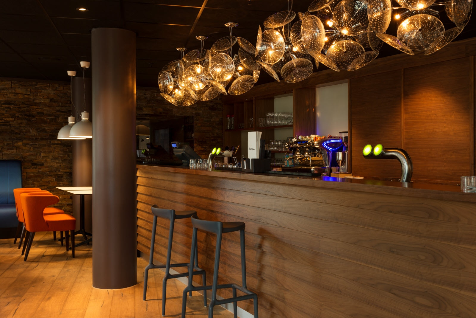 Scandic-Stavanger-City-Interior-bar-3.jpg