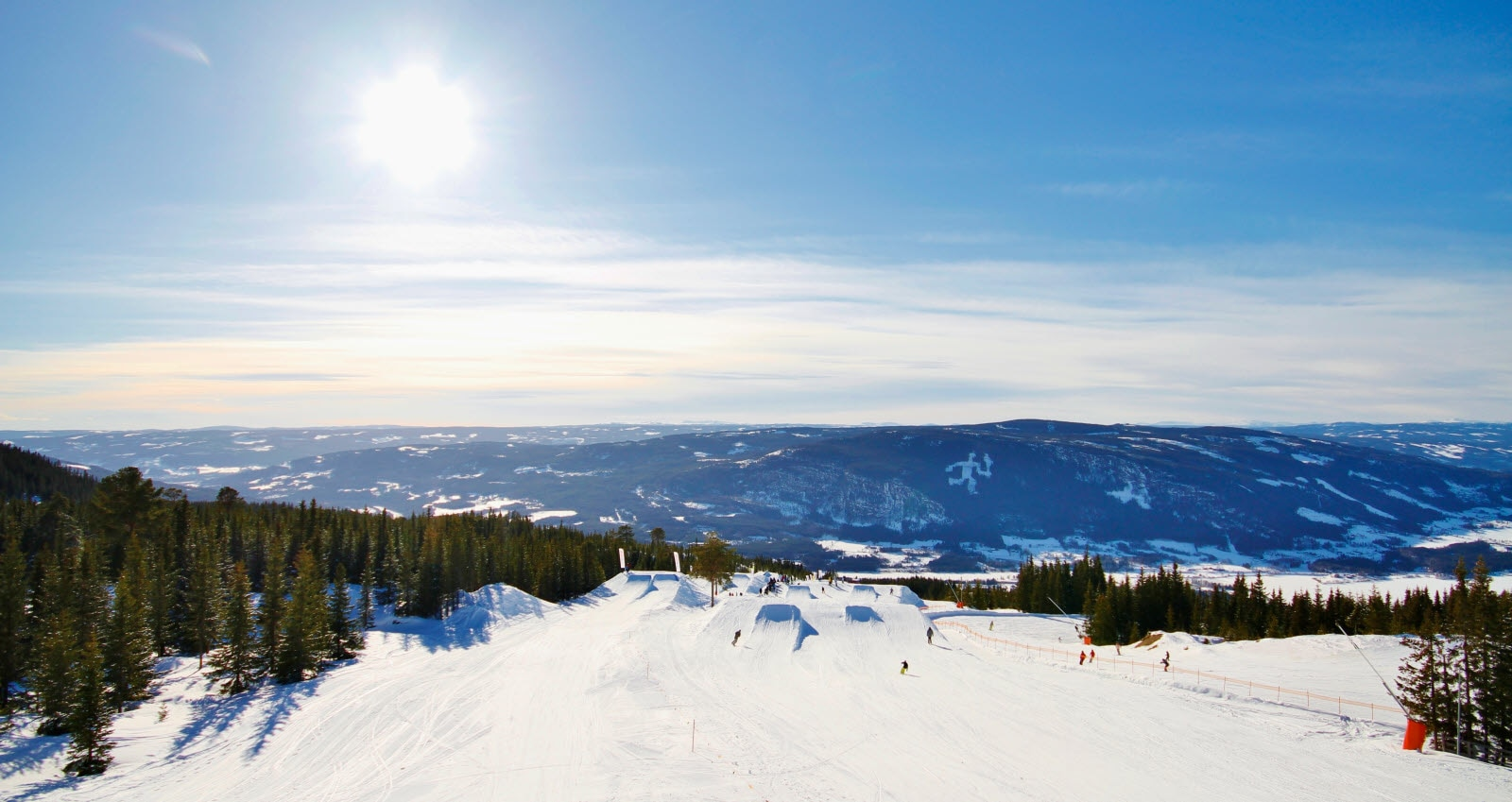 Beautifull day for skiing in Hafjell