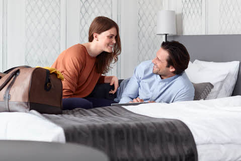 ccc-spring_2014-Rubinen-bedroom-couple-bed-wine-ro.jpg